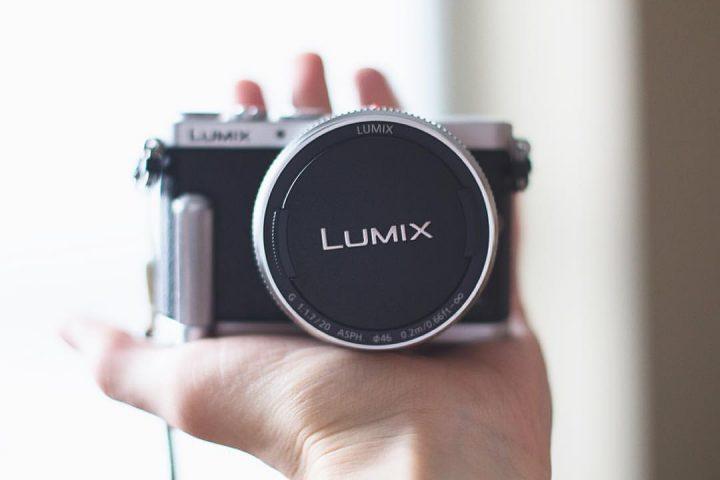 Prodám fotoaparát Panasonic DMC-GM1 + 20mm f/1.7